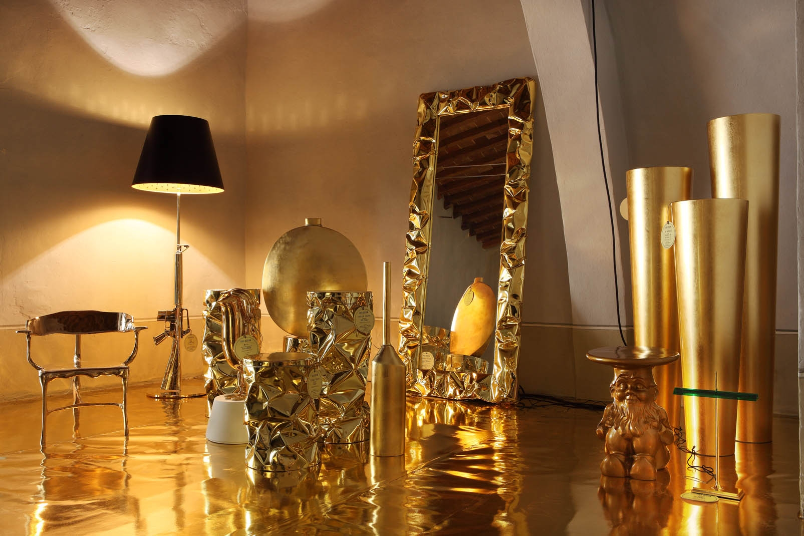 Gold Design Living 2